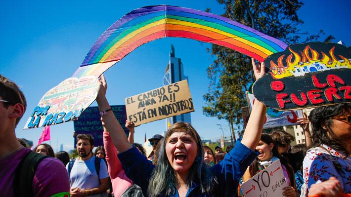 Greta Thunberg destaca en sus redes sociales marcha en Chile por huelga contra el cambio climático