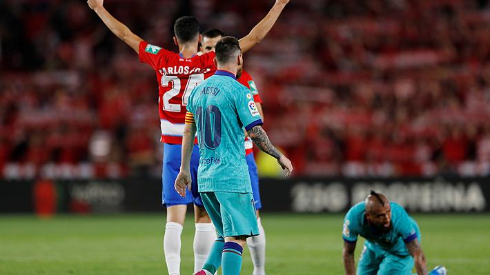 Vidal entró y cometió un penal en sorpresiva caída del Barcelona ante el Granada por Liga de España