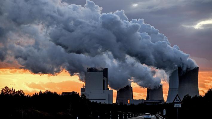 """""""Carbón limpio"""", la apuesta de la industria por mejorar su imagen en medio de la crisis climática"""