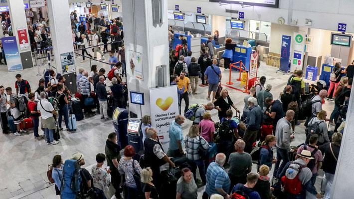 Quiebra de Thomas Cook obliga a realizar una magna operación para repatriar a turistas varados en 51 destinos