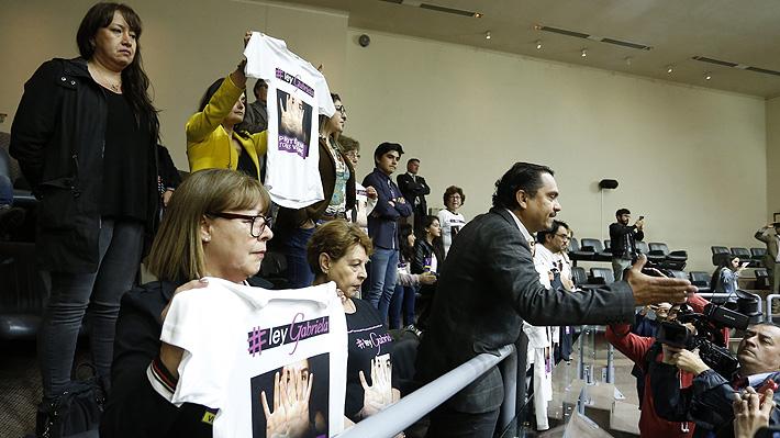 """Senado aprueba en general """"Ley Gabriela"""" que amplía delito de femicidio"""