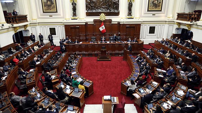 Congreso de Perú rechaza el adelanto de elecciones a 2020 propuesto por Vizcarra