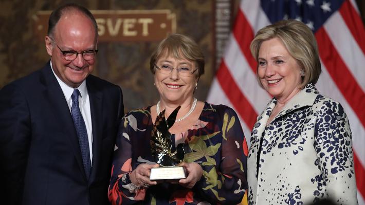 Bachelet recibe reconocimiento internacional en EE.UU. por su liderazgo en equidad de género