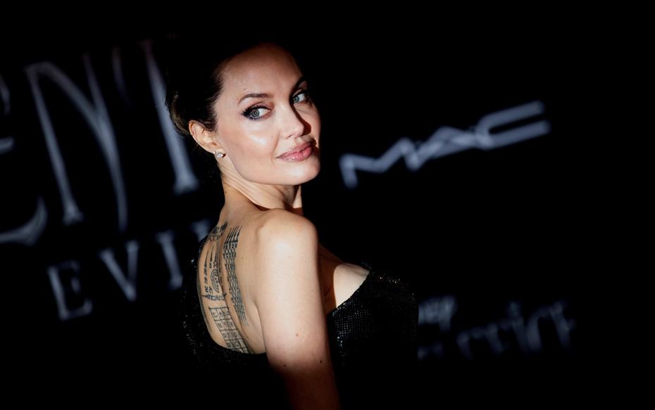 """Galería: Angelina Jolie y Elle Fanning se lucen en la elegante premier mundial de """"Maléfica 2"""""""