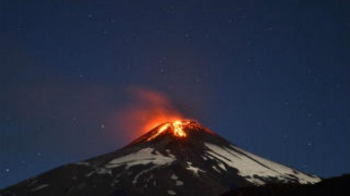 Científicos confirman que los volcanes emiten hasta cien veces menos carbono que la humanidad