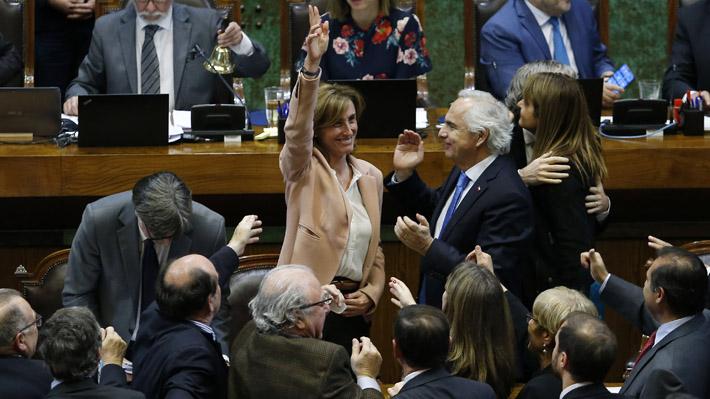 Cámara de Diputados rechaza por 77 votos en contra y 73 a favor la acusación constitucional contra Cubillos