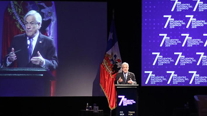 """Presidente dice que guerra comercial """"parece que se extiende"""" tras fallo de la OMC: """"Estamos viviendo tiempos difíciles"""""""