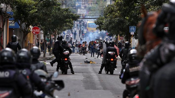 """Ecuador: Suspenden operaciones en tres campos petroleros debido a """"toma de instalaciones"""" en medio de protestas"""