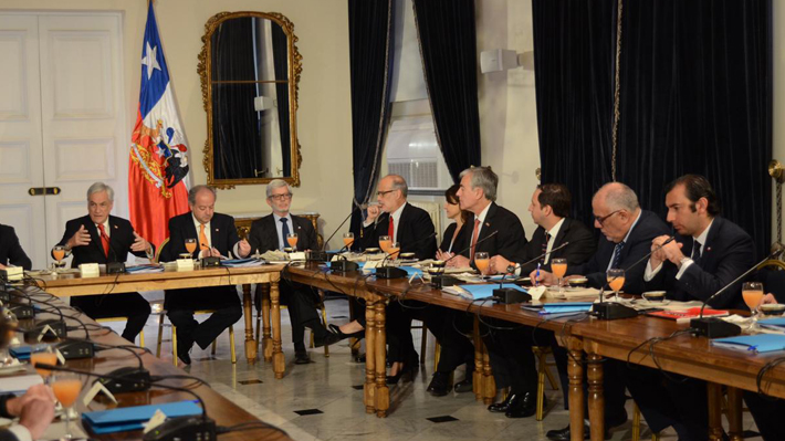 """La estrategia con la que el Gobierno apunta a restar apoyo a las """"40 horas"""" e impulsar un proyecto """"transversal"""""""