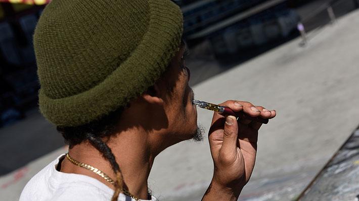 Nueva York registra la primera muerte relacionada con el vapeo: joven de 17 años habría usado recargas con THC