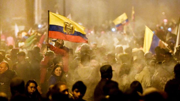 Análisis: Ecuador busca reparar los daños que dejó su peor crisis en décadas