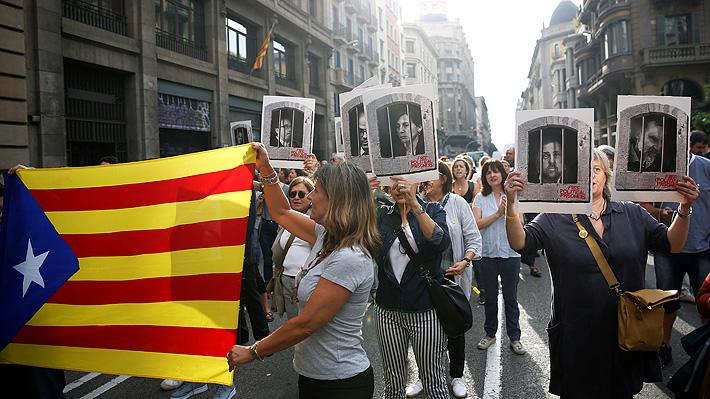 """Club de fútbol Barcelona se suma a críticas por condena a líderes independentistas catalanes: """"La cárcel no es la solución"""""""
