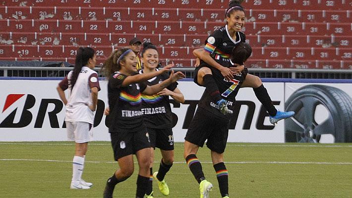 Mira los dos tremendos golazos de Santiago Morning en su debut en la Copa Libertadores femenina