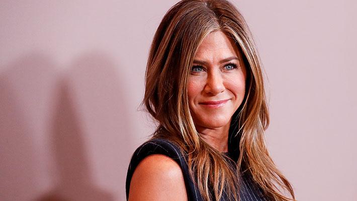 """Jennifer Aniston debuta en redes sociales y sorprende con foto junto al elenco de """"Friends"""""""