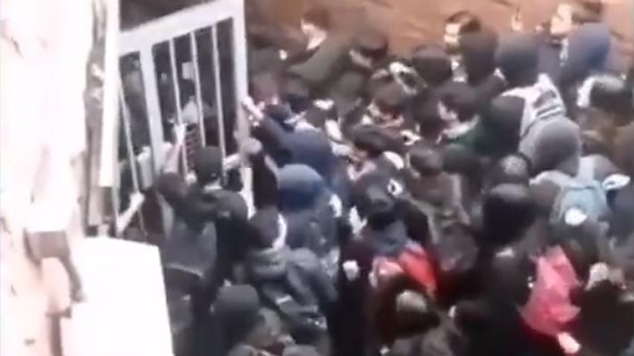 """Ministra Hutt y evasión masiva de estudiantes en el Metro: """"Usar la violencia es algo que no respaldamos"""""""