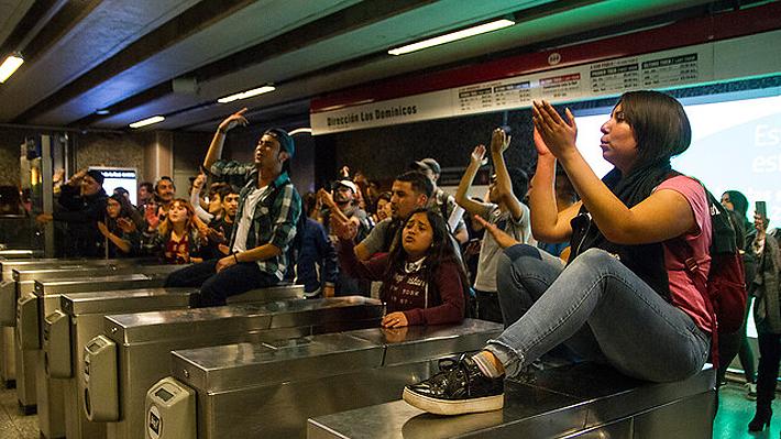 Caos en el Metro: Destrucción de torniquetes, disturbios y 41 detenidos deja nueva jornada de evasiones masivas