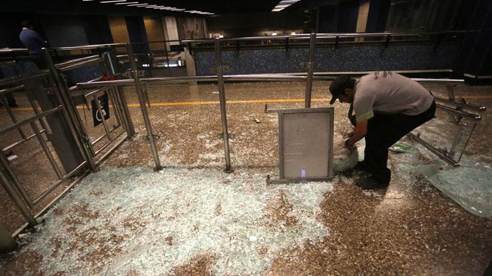 Presidente de Metro cifra entre 400 a 500 millones de pesos las pérdidas provocadas por desmanes en estaciones