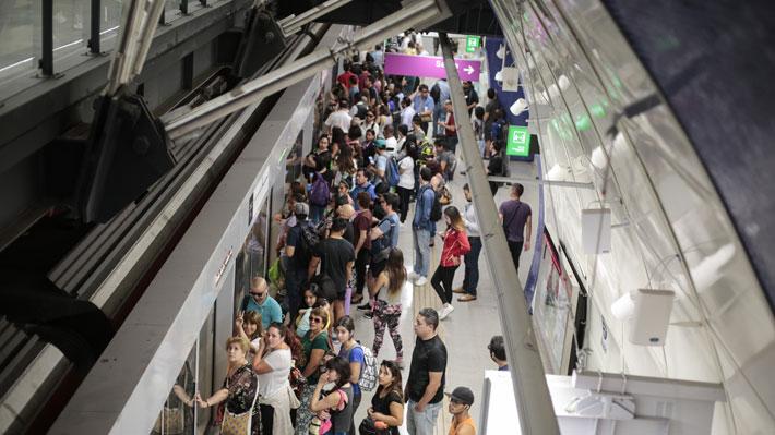 Estudio ubica a Santiago en el top 10 del ranking del transporte público más caro en función del ingreso medio