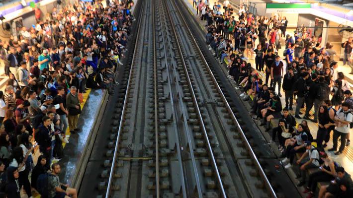 Metro confirma que mantendrá cerradas la totalidad de sus estaciones durante el fin de semana