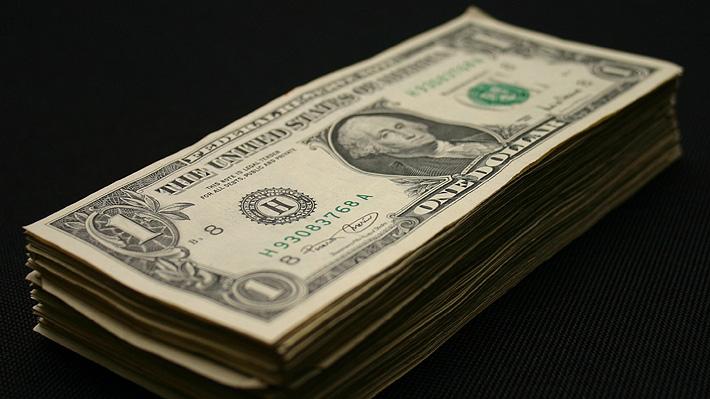 Dólar opera con fuerte alza en Chile tras intensas protestas del fin de semana
