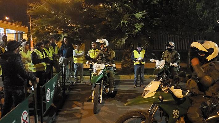 """""""Chalecos amarillos"""", los grupos ciudadanos de autodefensa que se organizan en las poblaciones para evitar saqueos"""
