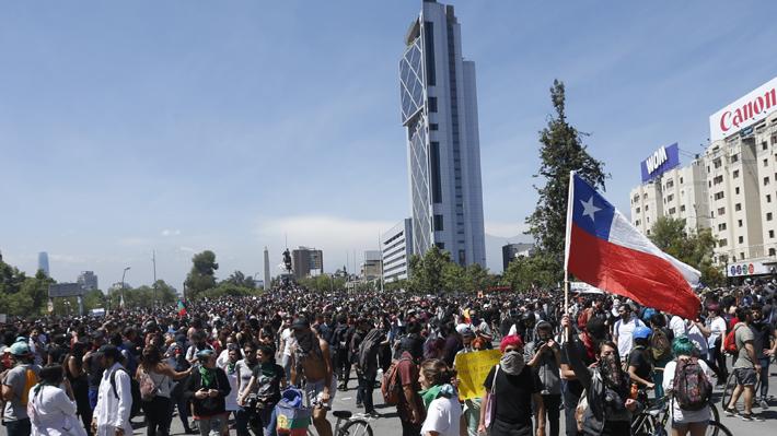 Crisis social: ¿Quién lidera las manifestaciones y a los que Iturriaga llamó a dialogar por permisos para las marchas?