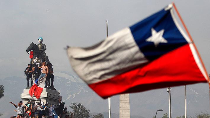 Crisis social chilena es vista con atención desde Argentina: Llaman a sacar lecciones de cara a los comicios del domingo