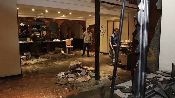 Administrador de hotel atacado cerca de Plaza Baquedano relata los hechos y dice que hay coordinación de grupo