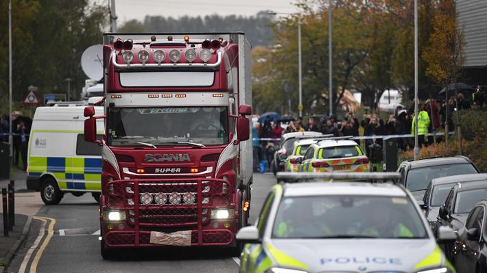Confirman que los 39 muertos hallados en un camión en Reino Unido eran chinos y la Fiscalía belga abrió una investigación