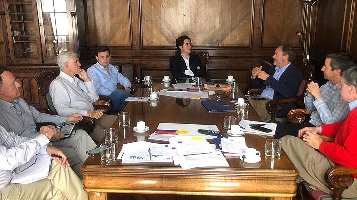 """Empresarios se reúnen con Hacienda y aseguran que """"estamos comprometidos en ser parte de la solución"""" de la crisis"""