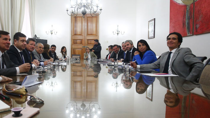 Chile Vamos insta a la oposición a llegar a acuerdo con el Gobierno en reformas tributaria y de pensiones