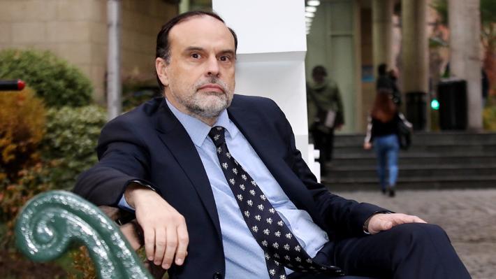 """Enrique Navarro: """"Pensar que un cambio constitucional va a hacer más feliz a las personas por sí mismo es algo absurdo"""""""