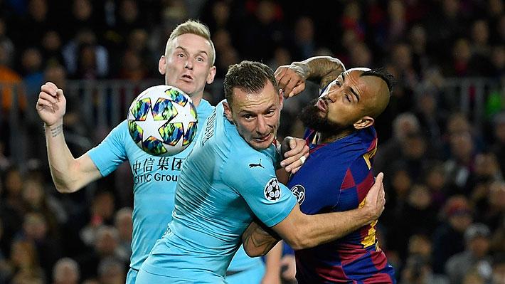 Le anularon un gol e hizo una aplaudida jugada: Vidal jugó un buen partido en pobre empate del Barcelona con Slavia Praga