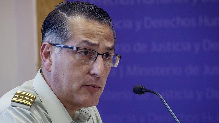 Director de Carabineros explica uso de vehículos sin identificación policial para detención de personas