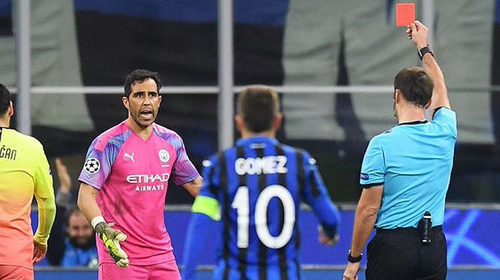 Increíble: Claudio Bravo fue expulsado en su sorpresiva reaparición con el City en la Champions