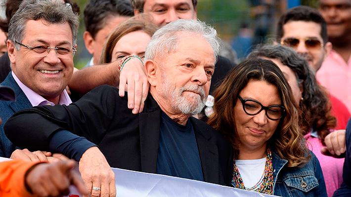 Lula da Silva sale de la cárcel ante una multitud de adherentes que lo esperaba