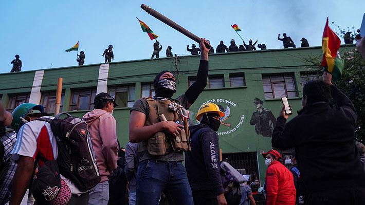 Policías bolivianos se acuartelan en protesta contra Evo Morales