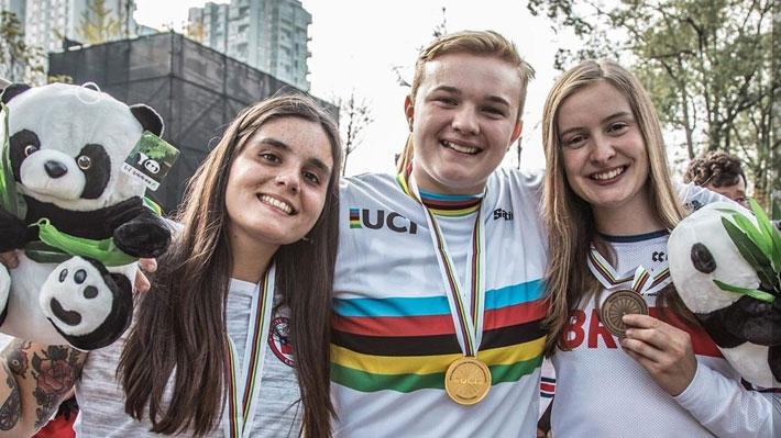 Brillante: Macarena Pérez logra medalla de plata en Mundial de ciclismo BMX y clasifica a los JJ.OO. de Tokio 2020