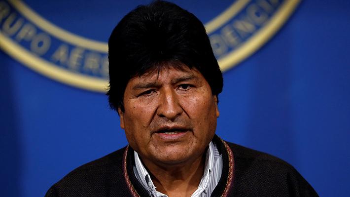 Evo Morales renuncia a la presidencia de Bolivia y deja La Paz en avión