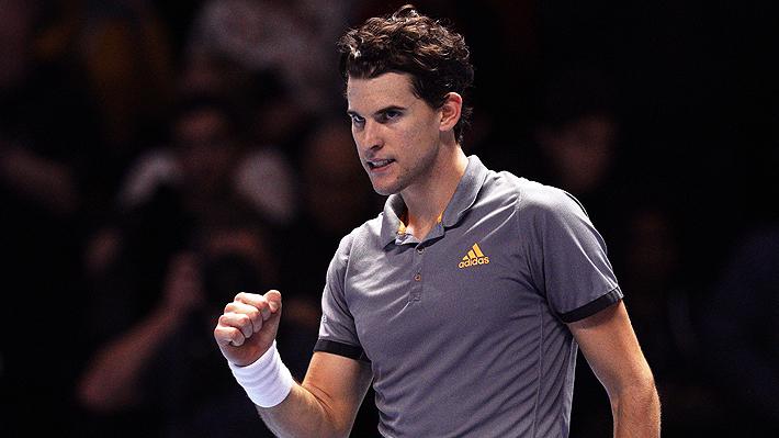 Dominic Thiem da un golpe de autoridad y vence a Roger Federer en el Masters de Londres
