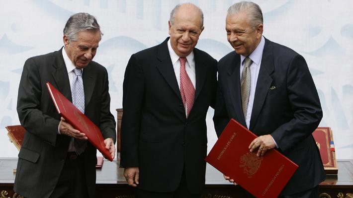 Constitución en el debate: Revisa cómo acceder y dónde encontrar la Carta Magna de Chile