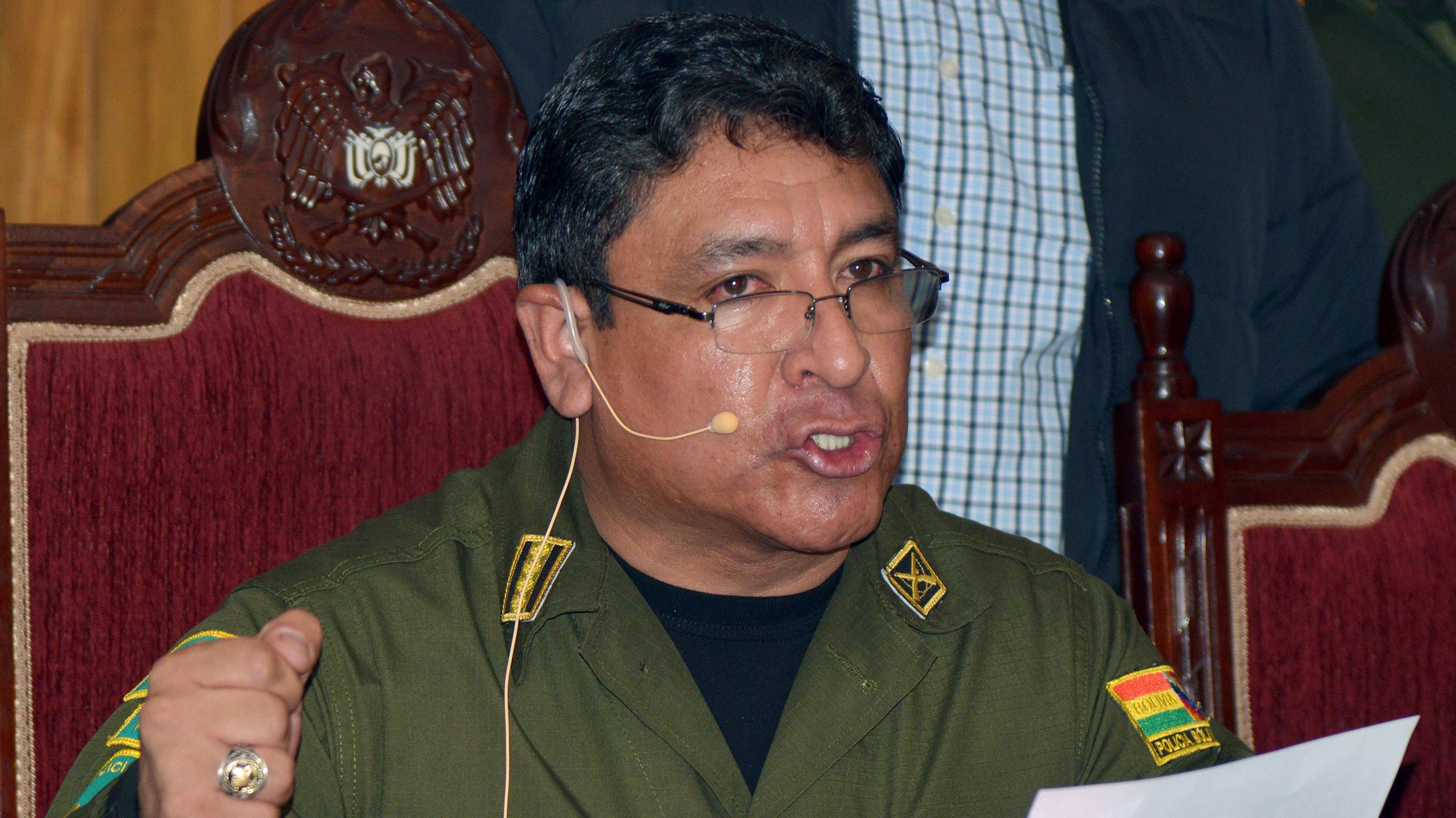 """Renuncia jefe de la Policía Nacional de Bolivia luego de """"sugerir"""" la dimisión de Evo Morales"""