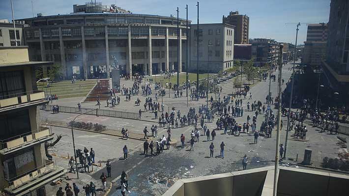 Incendios, ventanales quebrados y rayados: 68 tribunales han sido dañados durante las manifestaciones