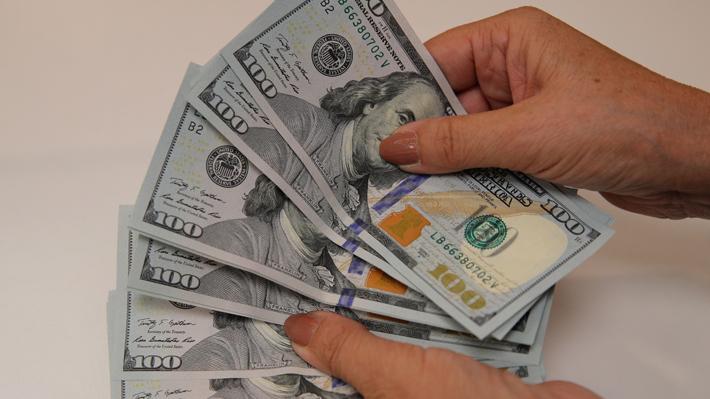 Dólar mantiene su tendencia alcista y abre esta jornada cotizándose en máximos históricos