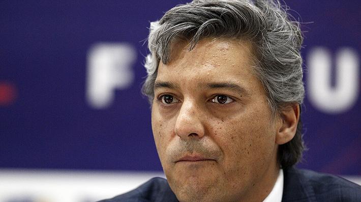 """Presidente de la ANFP no confirma amistoso de la """"Roja"""" con Perú y tampoco descarta la suspensión del torneo"""