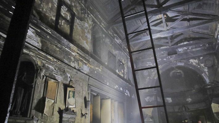 """Alessandri por destrucción de Iglesia de la Veracruz: """"Parece una imagen de la Segunda Guerra Mundial"""""""
