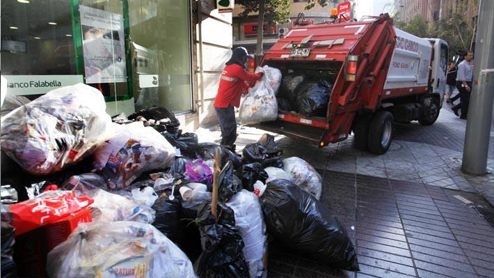 Revisa las comunas de la RM que han suspendido el retiro de basura esta jornada por paro de recolectores