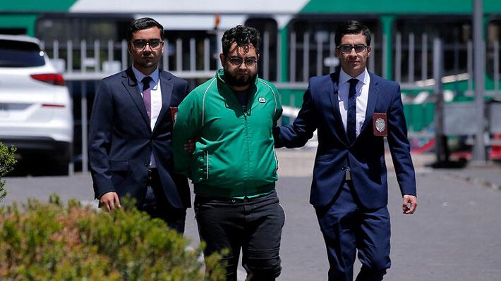 Tribunal autoriza visita de diputados del Frente Amplio a profesor en prisión por daños a estación de Metro