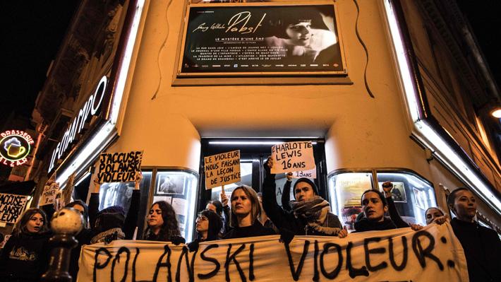 Activistas intentan boicotear estreno de la nueva película de Polanski en Francia tras nueva acusación de violación