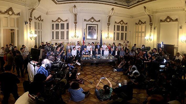 """Presidentes de partidos celebran pacto: """"Es hora de demostrarle a Chile que estamos a la altura"""""""